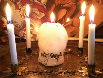 skull candle spell to get someone to communicate their true feelings.jpg