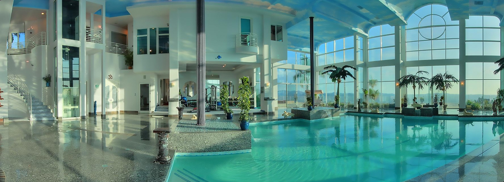 Pool Panorama.jpg
