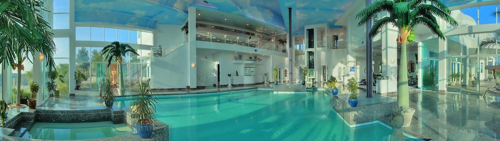 Pool Panorama2.jpg