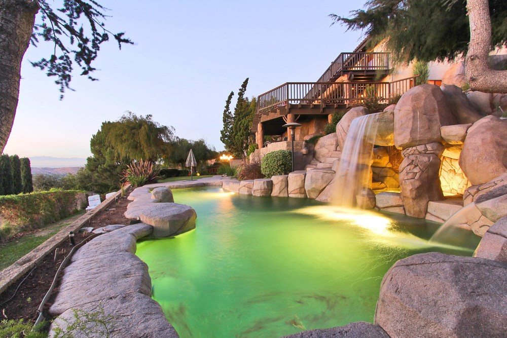 Amazing_Boulder_Style_Pool.jpg