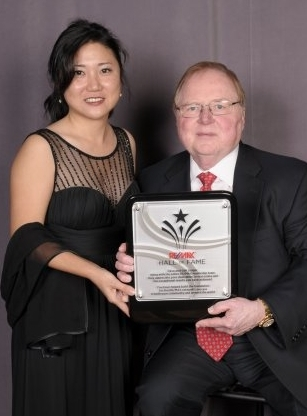 Hall Of Fame Award Recipient RE/MAX  Presented By: Dave Liniger Chairman/Co-Founder, RE/MAX LLC