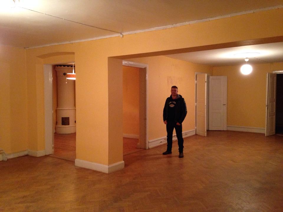Här ska vi bo älskling! Kan du fatta?? Vi har just köpt en herrgård på 600 kvm med 18 rum;-).