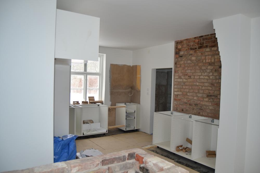 Ett kök växer fram... Snart är burgarna och pizzorna ett minne blott!!