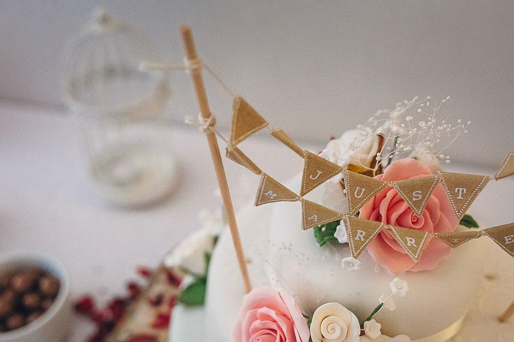 Kings Head Hotel Cirencester Wedding Photography-15.JPG
