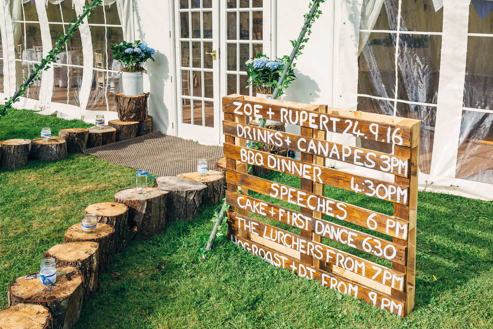 St Giles Church, Coberley   Wedding Photography-9.JPG