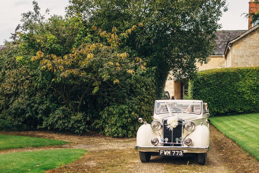 St Giles Church, Coberley   Wedding Photography-43.JPG