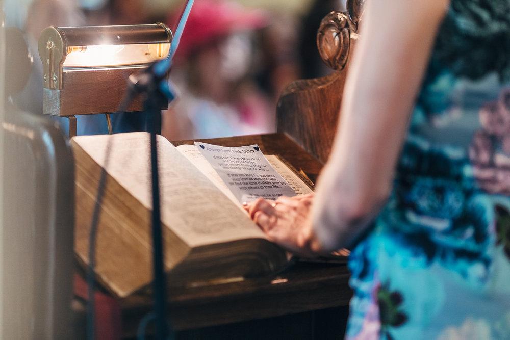 St Giles Church, Coberley   Wedding Photography-48.JPG