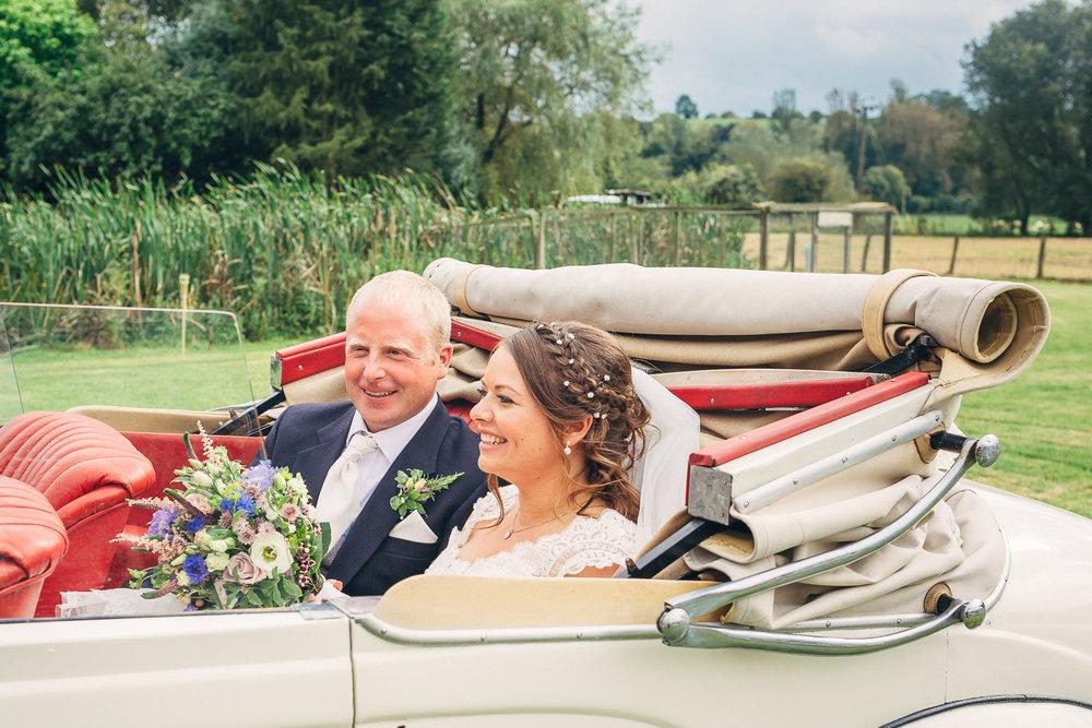 St Giles Church, Coberley   Wedding Photography-59.JPG