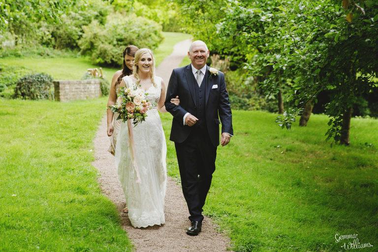 Dewsall-Wedding-GemmaWilliamsPhotography021-2000x1333(pp_w768_h511).jpg