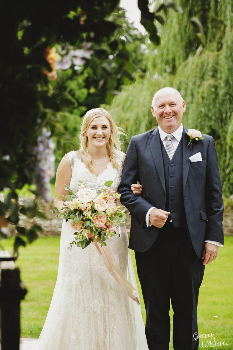 Dewsall-Wedding-GemmaWilliamsPhotography024-1333x2000(pp_w768_h1152).jpg