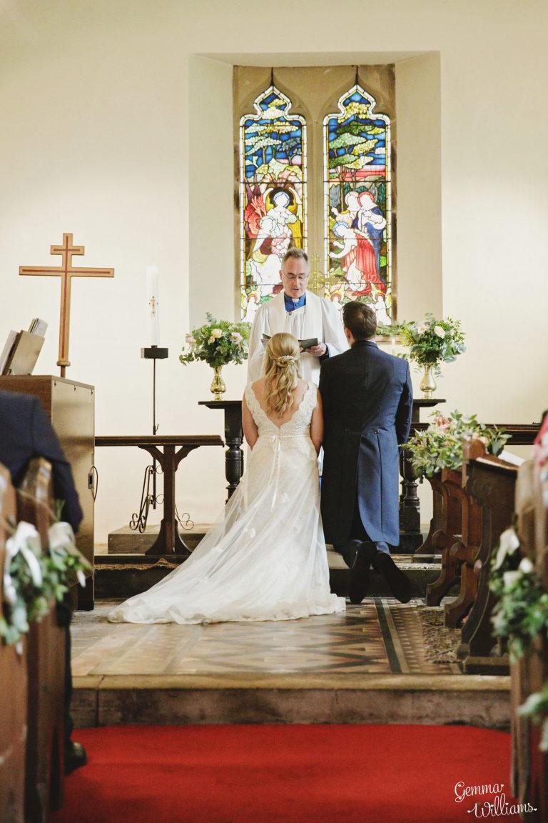 Dewsall-Wedding-GemmaWilliamsPhotography037-1333x2000(pp_w768_h1152).jpg