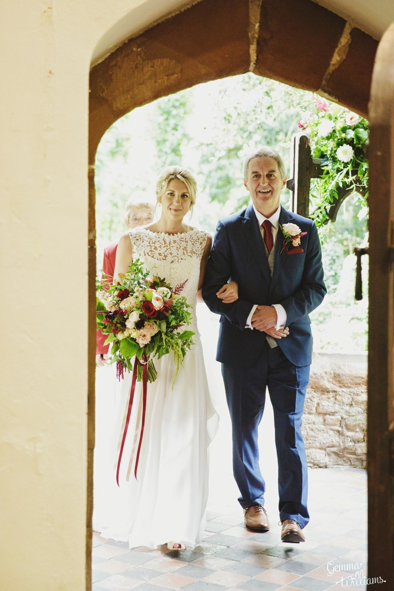 Birtsmorton-Wedding-Photography-GemmaWilliams087(pp_w768_h1152).jpg