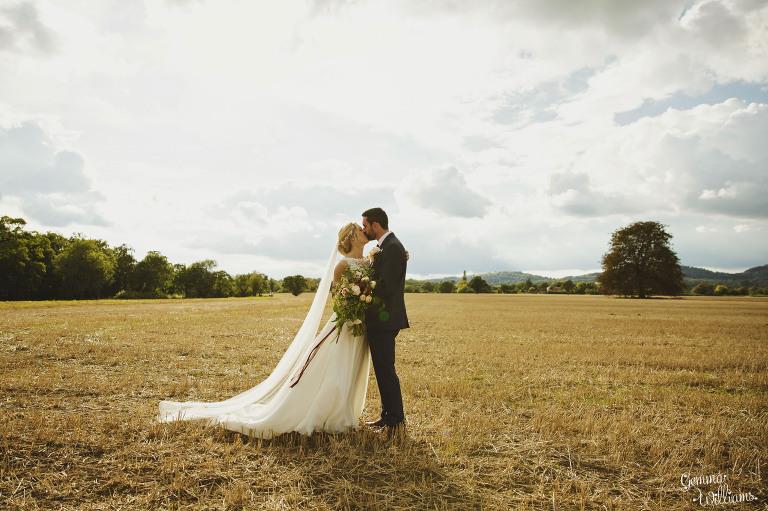 Birtsmorton-Wedding-Photography-GemmaWilliams236(pp_w768_h511).jpg