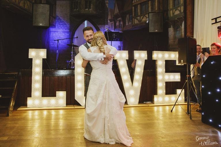 How-Caple-Wedding-GemmaWilliamsPhotography219(pp_w768_h511).jpg