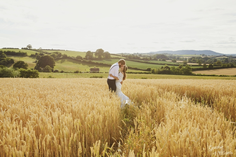 Lyde-Court-Wedding-GemmaWilliamsPhotography204(pp_w768_h511).jpg