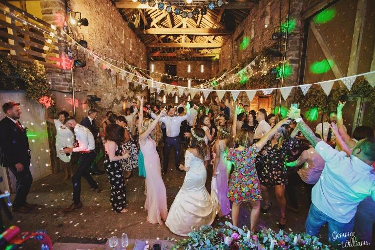 Lyde-Court-Wedding-GemmaWilliamsPhotography249(pp_w768_h511).jpg