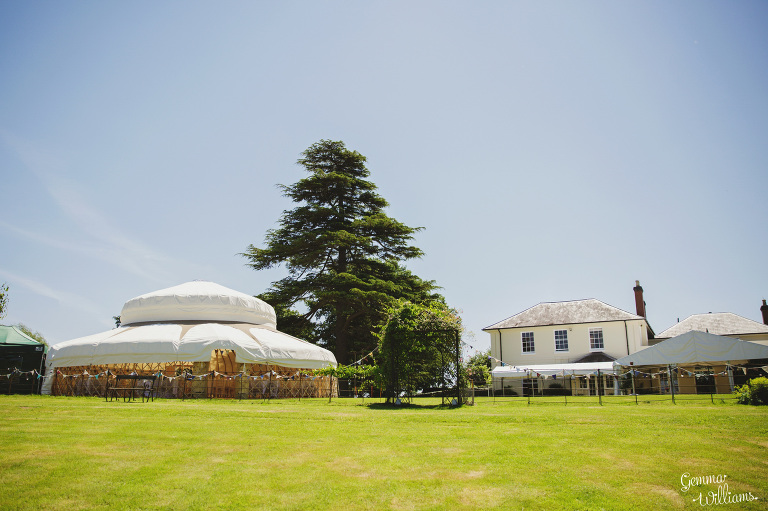 herefordshire-yurt-wedding-gemmawilliamsphotography_0001(pp_w768_h511).jpg