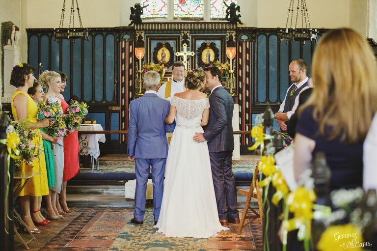 herefordshire-yurt-wedding-gemmawilliamsphotography_0049(pp_w768_h511).jpg