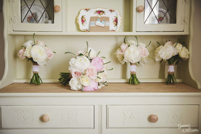Broadfield-Court-Herefordshire-Wedding-by-Gemma-Williams-Photography_0008(pp_w768_h512).jpg