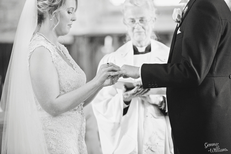 Broadfield-Court-Herefordshire-Wedding-by-Gemma-Williams-Photography_0031(pp_w768_h512).jpg