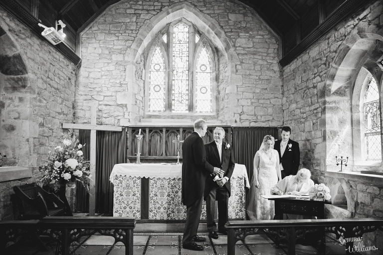Broadfield-Court-Herefordshire-Wedding-by-Gemma-Williams-Photography_0036(pp_w768_h512).jpg