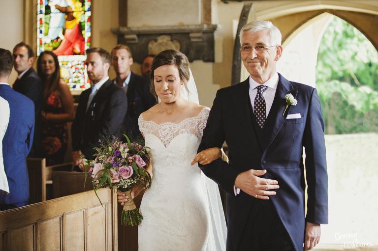 kingscote-barn-wedding-gemmawilliamsphotography_0022(pp_w768_h511).jpg