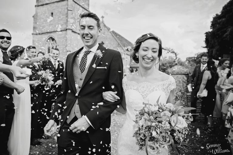 kingscote-barn-wedding-gemmawilliamsphotography_0032(pp_w768_h511).jpg