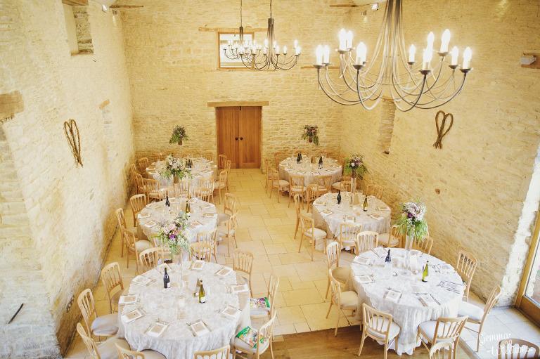 kingscote-barn-wedding-gemmawilliamsphotography_0051(pp_w768_h511).jpg