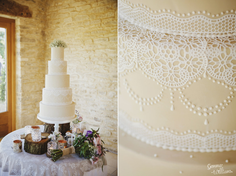 kingscote-barn-wedding-gemmawilliamsphotography_0052(pp_w768_h574).jpg