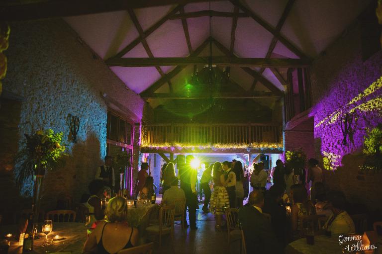 kingscote-barn-wedding-gemmawilliamsphotography_0080(pp_w768_h511).jpg