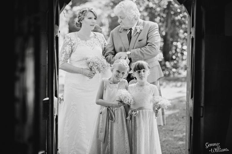 worcestershire-wedding-gemmawilliamsphotography_0016(pp_w768_h511).jpg