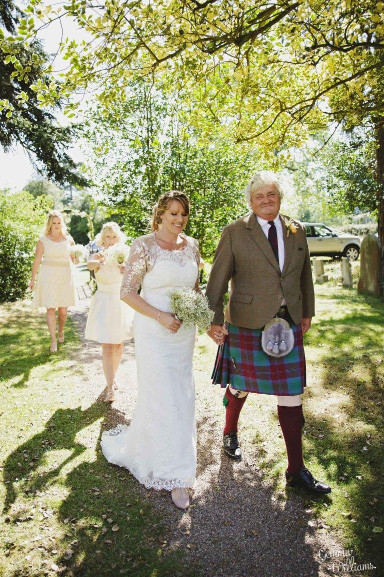 worcestershire-wedding-gemmawilliamsphotography_0015(pp_w768_h1152).jpg