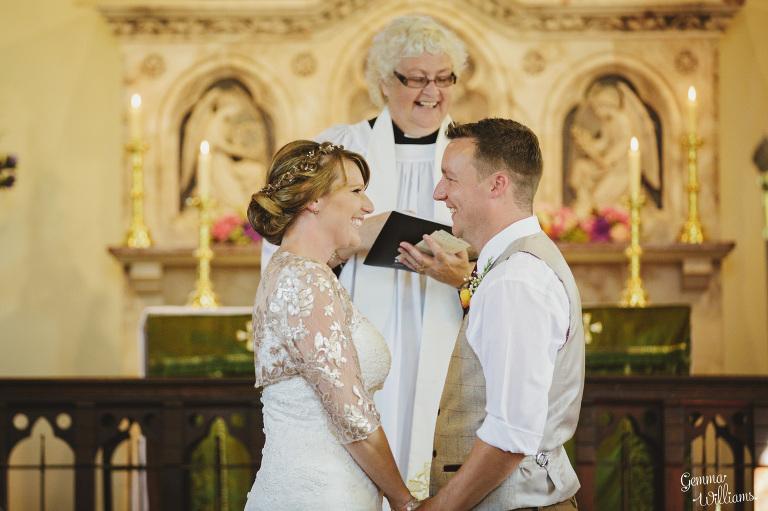 worcestershire-wedding-gemmawilliamsphotography_0021(pp_w768_h511).jpg