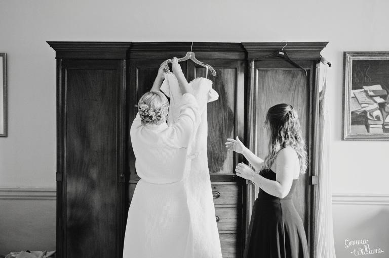 walcot-hall-wedding-gemmawilliamsphotography_0016(pp_w768_h511).jpg