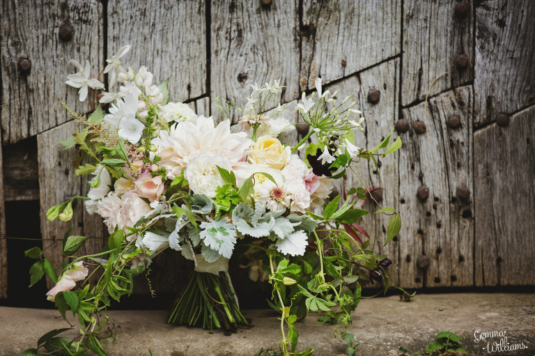 designer-dress-wedding-gemmawilliamsphotography_0006(pp_w768_h511).jpg