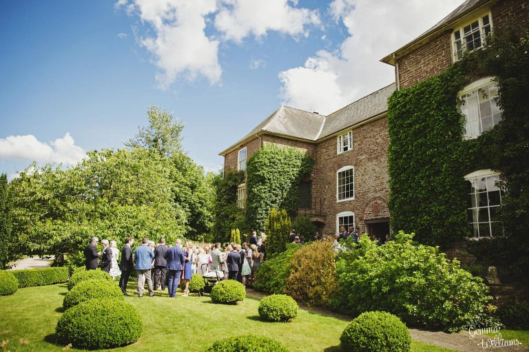 designer-dress-wedding-gemmawilliamsphotography_0028(pp_w768_h511).jpg