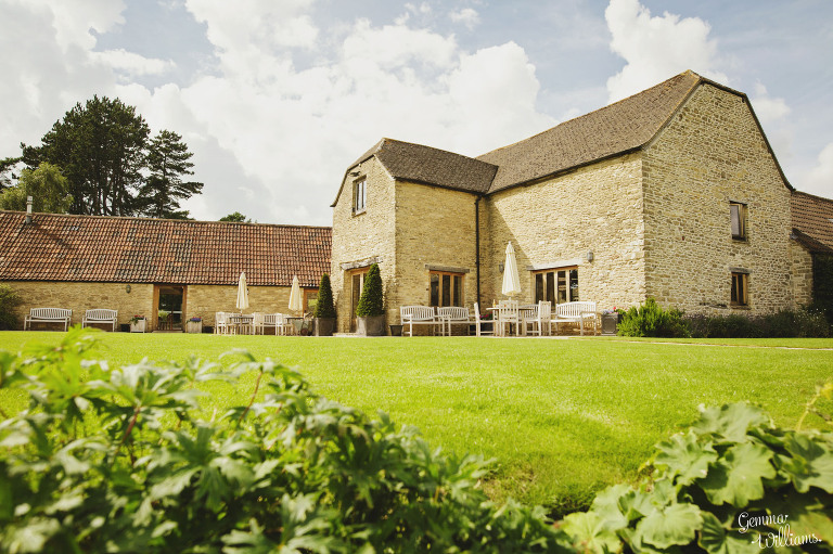 kingscote-barn-wedding