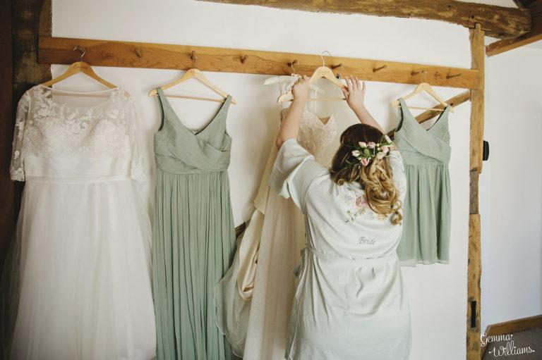 Curradine-Barns-Wedding-GemmaWilliamsPhotography012-1024x682(pp_w768_h511).jpg