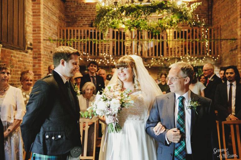 Curradine-Barns-Wedding-GemmaWilliamsPhotography018-1024x682(pp_w768_h511).jpg