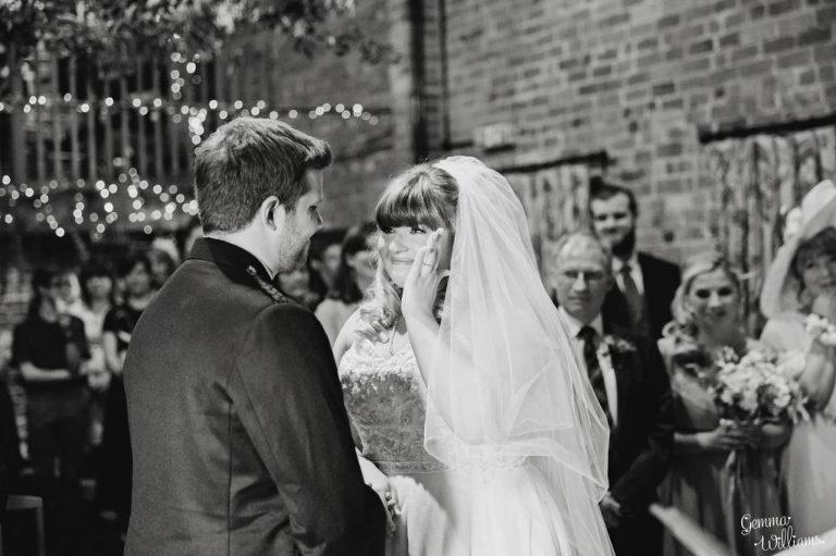 Curradine-Barns-Wedding-GemmaWilliamsPhotography019-1024x682(pp_w768_h511).jpg