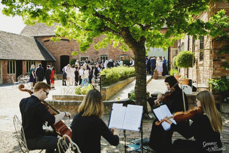 Curradine-Barns-Wedding-GemmaWilliamsPhotography024-1024x682(pp_w768_h511).jpg