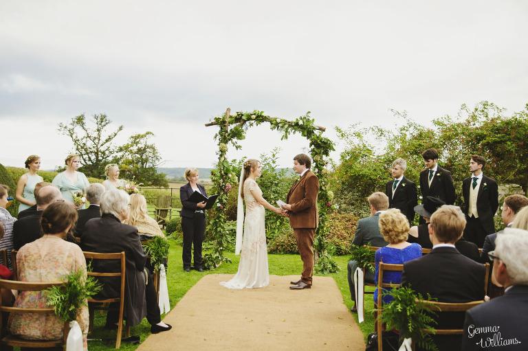 dewsall-court-herefordshire-outdoor-wedding-gemmawilliamsphotography_0032(pp_w768_h511).jpg