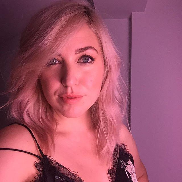 Is it okay to feel your new do? @hairbymarkus @studioalfgrensen @studioalffrisorer