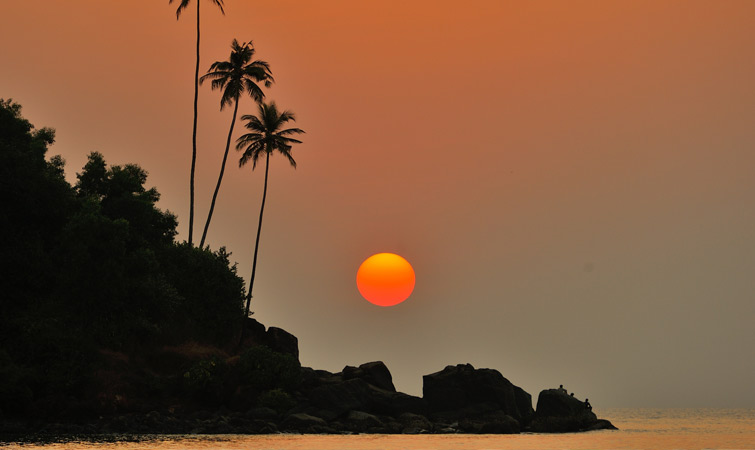 south-goa-sunset-in-mobar-beach.jpg