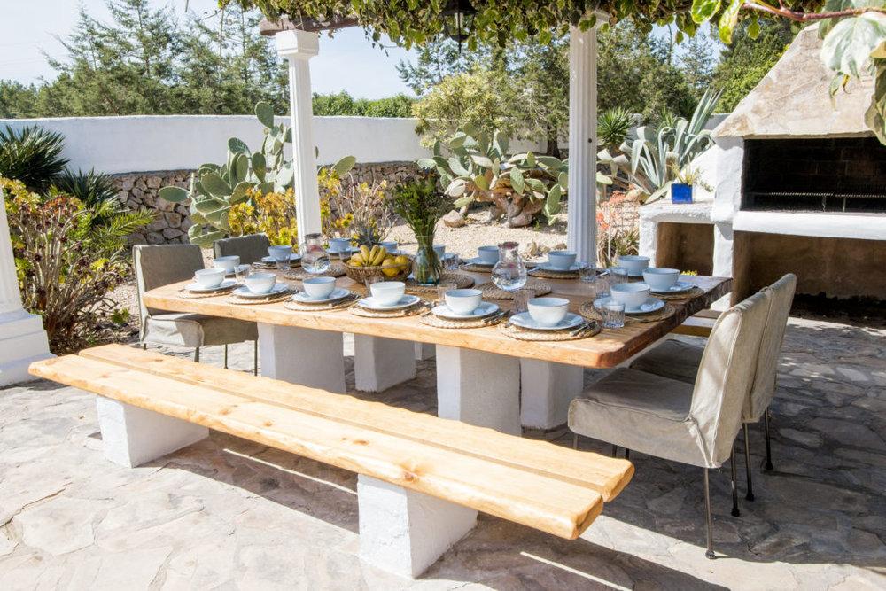 Garden-Dining-3-1030x687.jpg