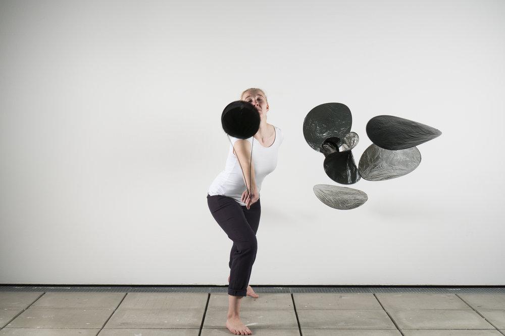 Phase 4 - Hybride - konfrontatives Experiment - Maskierung Autoren: Sarah Gerdiken & Marilen Gaiser Photo: J. Cafuk / Y. Kaiser