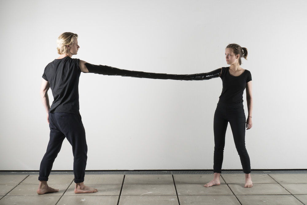 Phase 4 - Hybride - konfrontatives Experiment - Maskierung Autoren: Ella Banzhaf & Lenn Gerlach Photo: J. Cafuk / Y. Kaiser