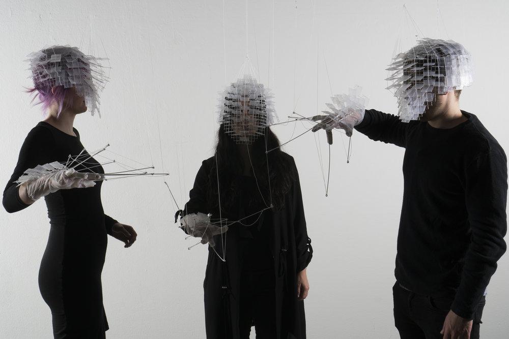 Phase 4 - Hybride - konfrontatives Experiment - Maskierung Autoren: Johanna Schneider & Tobias Haas Photo: J. Cafuk / Y. Kaiser