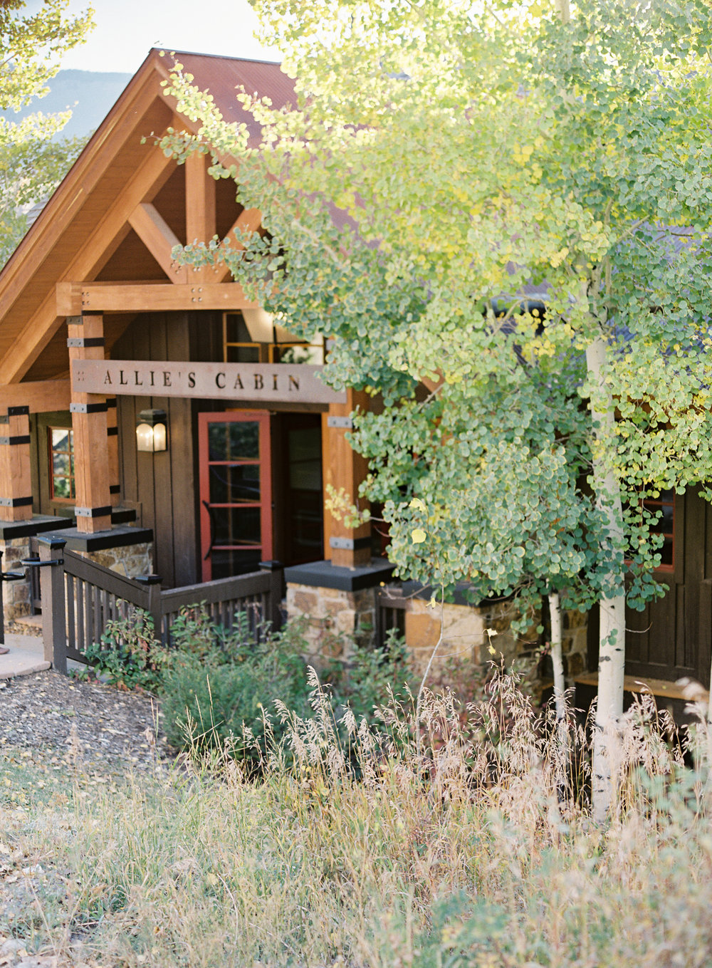 Intimate Luxury Mountain Wedding | Allies Cabin