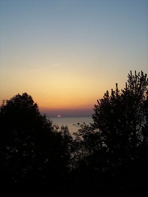 sunset013.jpg